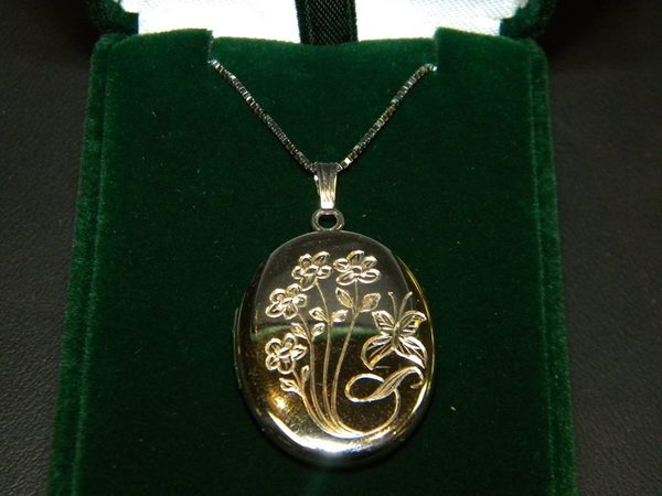 A Perfect Example of Hand Engraving hand-engraving-90